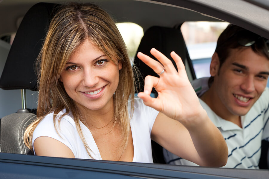 worauf muss man beim autofahren mit kontaktlinsen achten lensvision kontaktlinsen. Black Bedroom Furniture Sets. Home Design Ideas